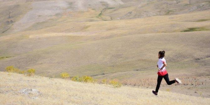Berfin Barışer, Süphan Dağı eteklerinde antrenman yapıyor!
