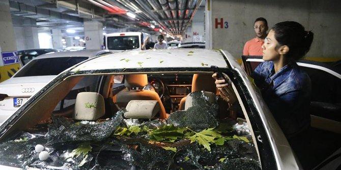 Sağanak ve dolu 370 araç ile 90 evde hasara yol açtı