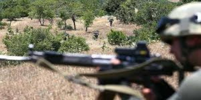 Hakkari'de 1'i kadın 2 PKK'lı terörist etkisiz hale getirildi