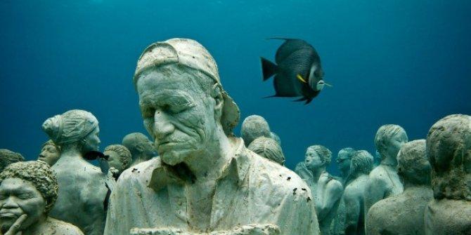 Antalya'nın Sualtı Heykel Müzesi'ne yeni heykeller batırıldı!