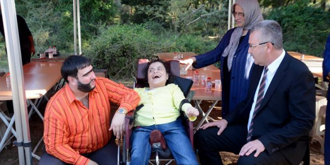 Ünlü isim engelli hayranıyla buluştu