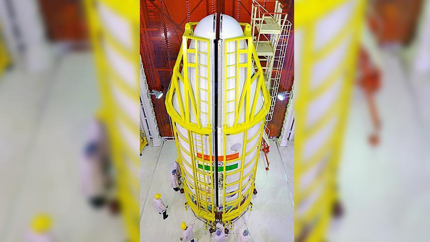 Hindistan tek seferde 104 uyduyu uzaya gönderdi