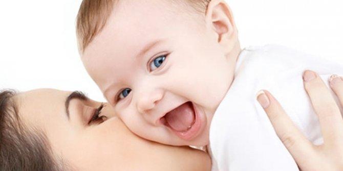 Tüm ihtiyaçları karşılayan bir doğa mucizesi: Anne sütü! İşte  8 mucizevî faydası