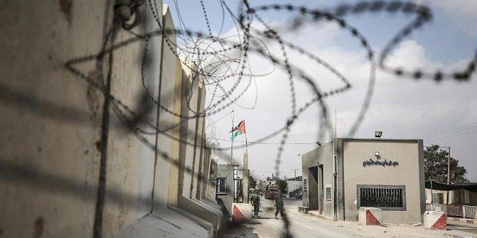 İsrail'den Gazze'ye yakıt geçişi