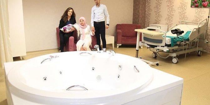'Beş yıldızlı' hastane odasında jakuzi!