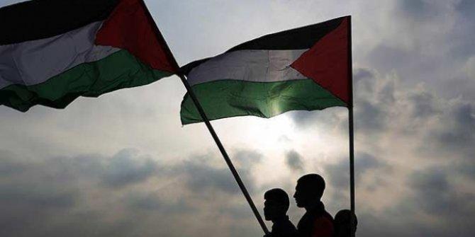 Batı Şeria'da,Yahudi yerleşimcilerin taşlı saldırısı sonucu Filistinli bir kadın şehit oldu!