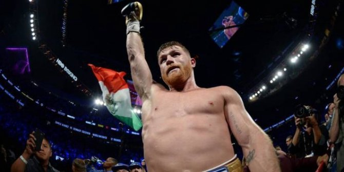 Meksikalı boksörden 365 milyon dolarlık tarihi anlaşma!