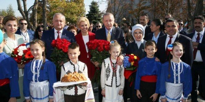 Başkan Erdoğan Komrat Kültürevi açılışını yaptı!
