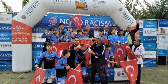 Costa Brava Futbol Turnuvası'nda Şırnaklı minikler şampiyon oldu!