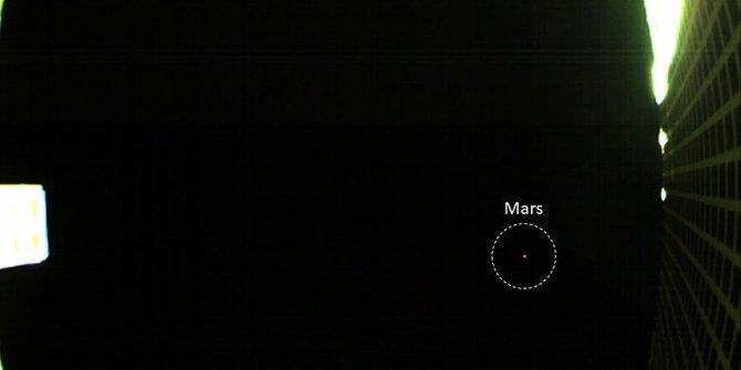 CubeStat uyduları ilk Mars fotoğrafını gönderdi