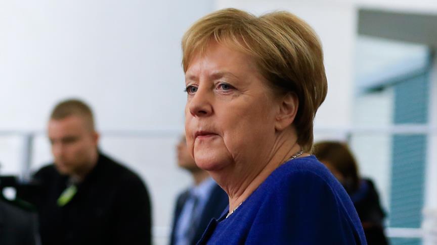 Merkel'den Suudi Arabistan'a silah ihraç etmeme kararı