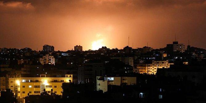 İsrail ordusu Gazze Şeridi'nin çeşitli yerlerine saldırı düzenliyor...