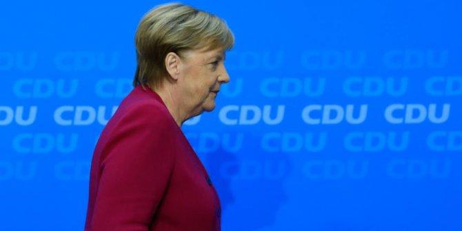 Merkel'in önümüzdeki yıl başkanlığı bırakacağı iddiası!