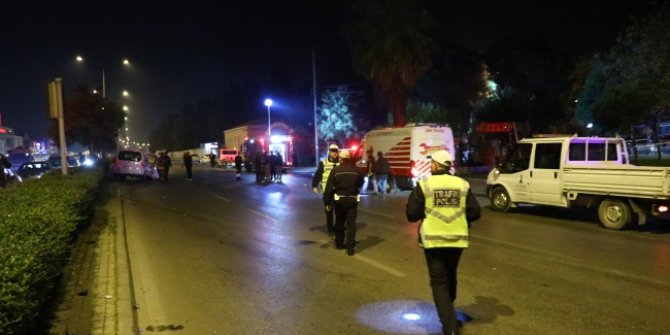 İzmir'in Karabağlar ilçesinde, İtfaiye aracı ile hafif ticari araç çarpıştı: 9 yaralı!