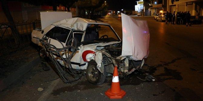 Adana'da Kaza sonrası hurdaya dönen araçtan sağ çıktı!