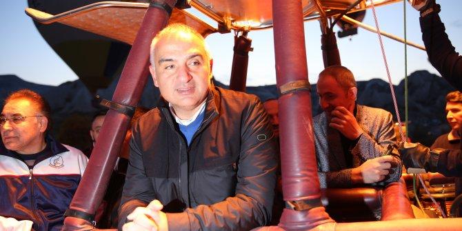 Kültür ve Turizm Bakanı Ersoy Kapadokya'yı kuşbakışı izledi
