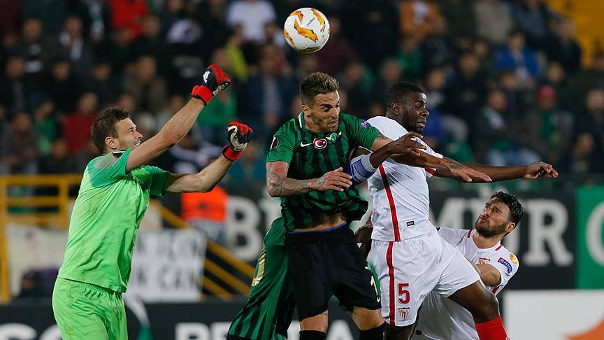 Akigo'ya yazık oldu! Akhisarspor - Sevilla maç özeti ve golleri izle
