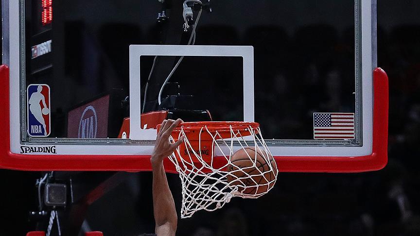 Bucks Warriors'ı farklı yendi
