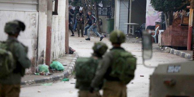 İsrai, 8 yaşındaki Filistinli çocuğu gözaltına aldı