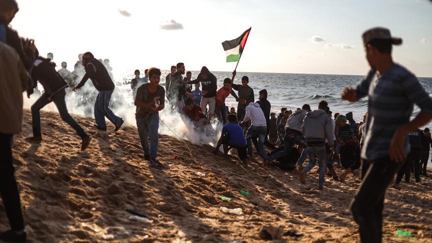 İsrail askerleri Gazze sınırında 25 Filistinliyi yaraladı