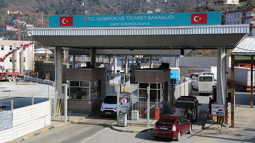 Sarp Sınır Kapısı'ndan bu yıl 6 milyon yolcu giriş çıkış yaptı