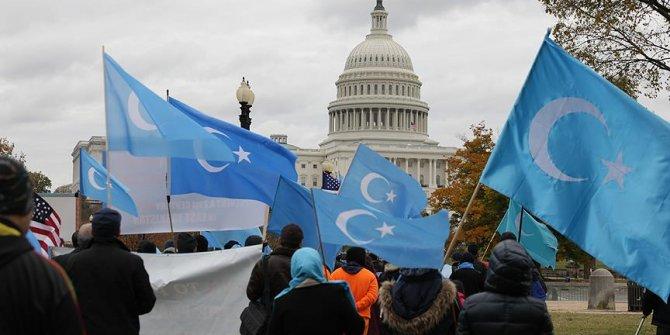 Washington'da Uygurlar Çin'i Protesto Etti