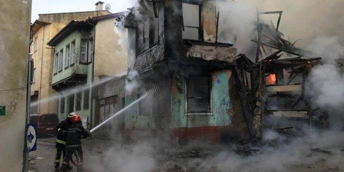 Tarihi Kayhan Çarşısı'nda yangın çıktı