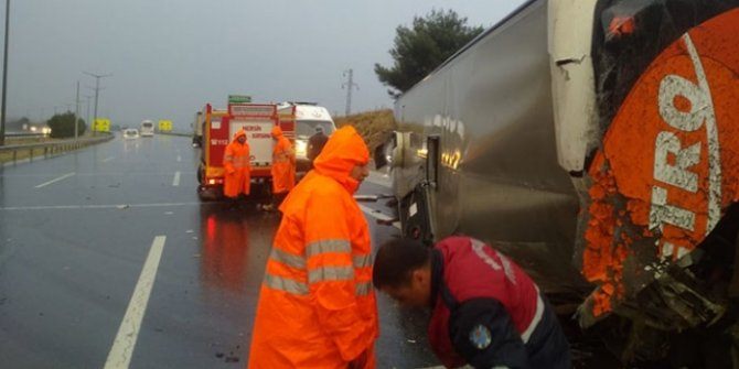 Mersin'de yolcu otobüsü devrildi