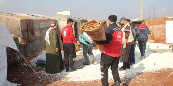 İnsan Hak ve Hürriyetleri (İHH) İnsani Yardım Vakfı İdlib'e yardım götürdü