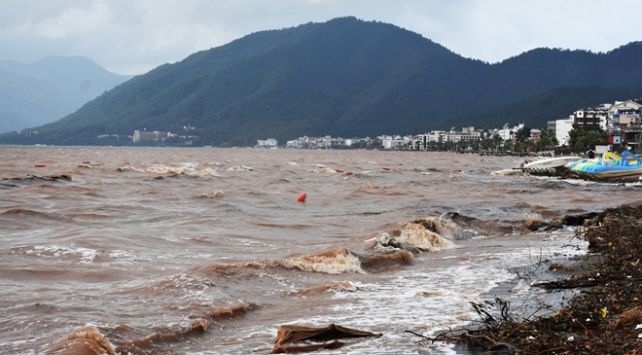 Marmaris'te aşırı yağışlar: 4 tekne battı