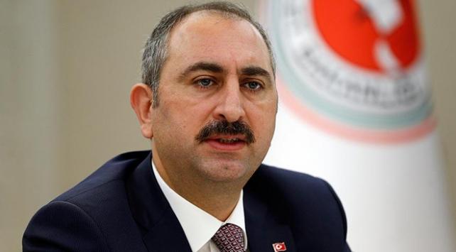 Adalet Bakanı Gül: Hepimizin bağımsız yargının kararına saygı göstermesi lazım