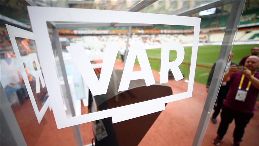 Türk hakemler, İtalya-ABD maçında VAR sistemini uyguladı