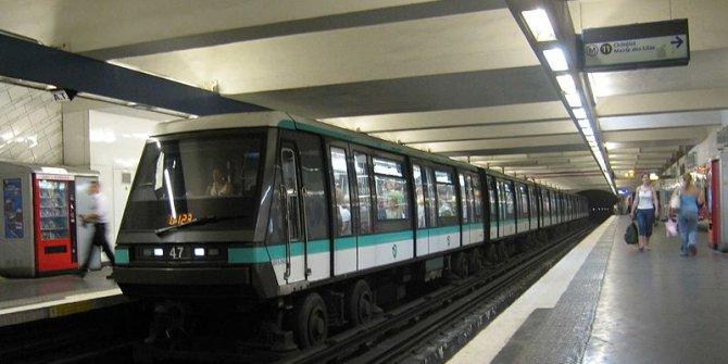 Paris'te metroda doğan bebeğe 25 yaşına kadar  toplu taşıma ücretsiz!