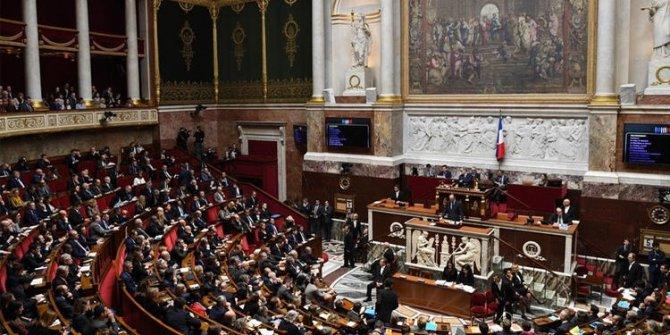 Son dakika.. Fransa'da hükümete güvensizlik oyu önergesi