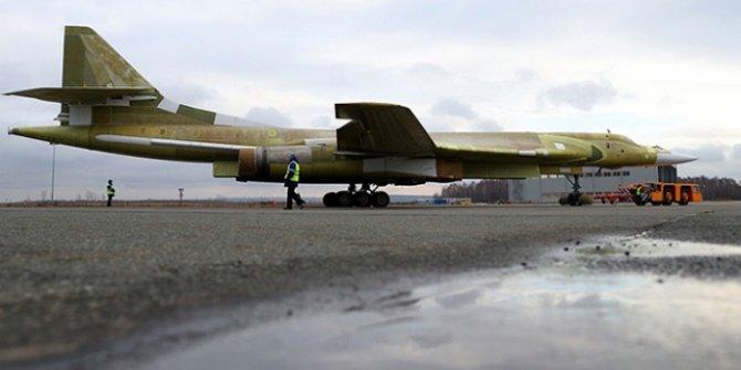 Rusya, Venezuela'ya 2 bombardıman uçağı gönderdi