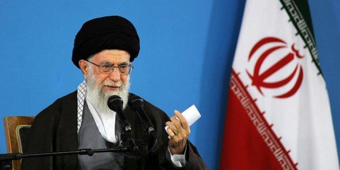 """İran'ın dini lideri Ali Hamaney """"Herkes dikkatli olsun. ABD 2019 yılı için bir plan hazırlamış olabilir""""!"""