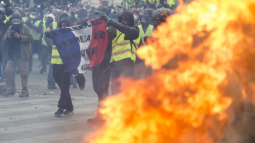 Fransa'da 'sarı yelekliler' eylemleri nedeniyle büyüme yavaşladı
