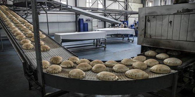 Bir yılda 270 milyon ekmek Suriye yolunda