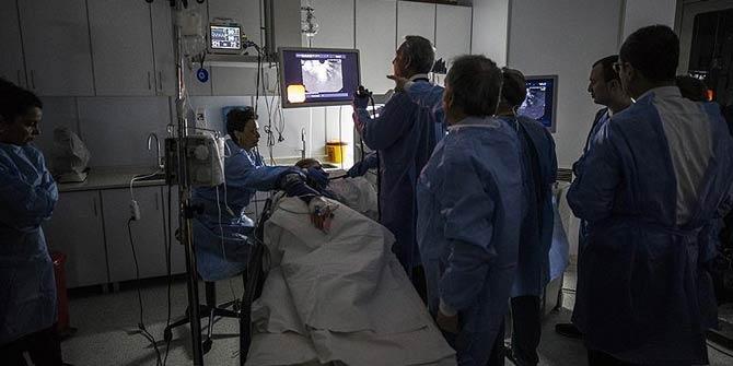 Pankreas ameliyatlarını 100 doktor canlı izledi
