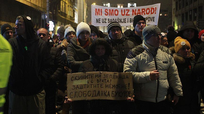 Sırbistan'da hükümet karşıtı protestolar sürüyor