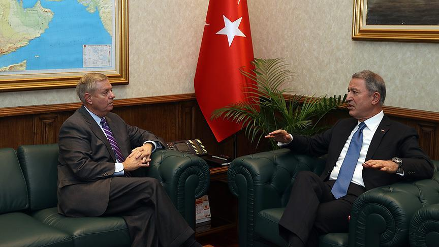 ABD'li Senatör Graham Milli Savunma Bakanı Akar'ı ziyaret etti