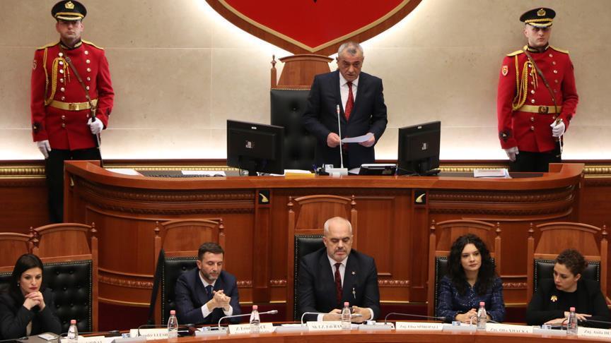 Arnavutluk Başbakanı Rama, Dışişleri Bakanlığı görevini de üstlendi