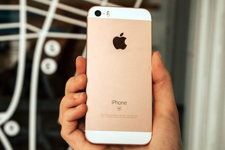 Apple minik ekranlı iPhone SE'yi yeniden satışa sundu! Kullanıcılar yoğun ilgi gösterdi