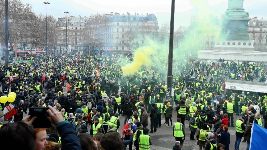 Fransa'dan sarı yeleklilerin gösterilerine ilişkin eylem planı
