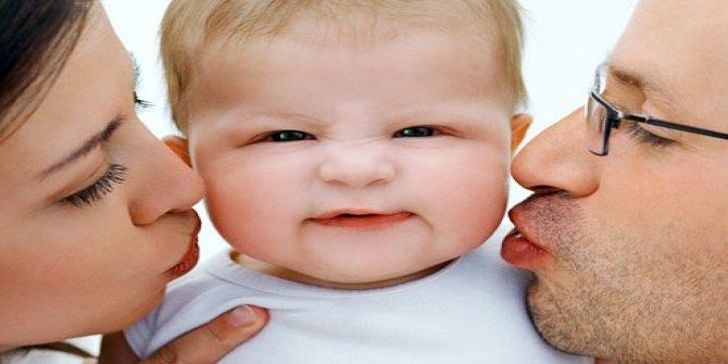 Anne babalar dikkat! Bebeklerinizi öpmeyin!