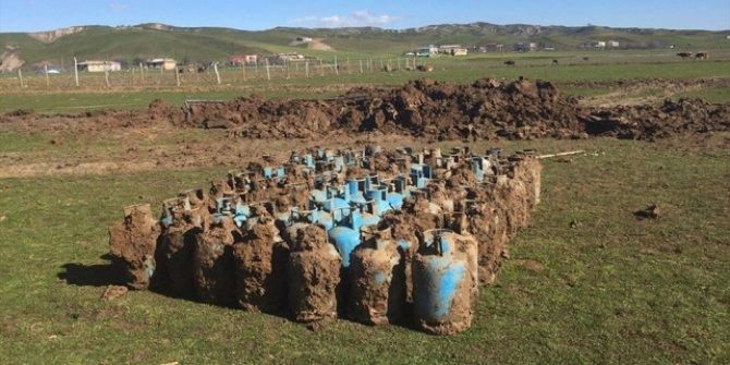 İlçede toprağa gömülü 75 tüp bulundu!