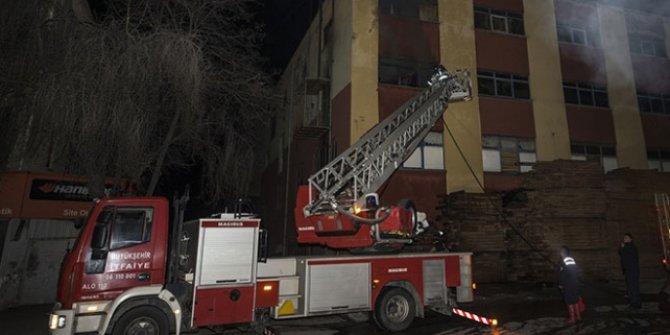 Ankara'da mobilya atölyesinde yangın çıktı!