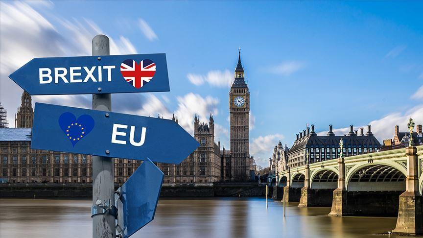 İngiliz parlamentosu anlaşmasız ayrılmayı her koşulda reddeden teklife destek verdi