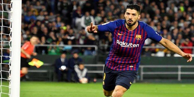Luis Suarez 2 hafta sahalardan uzak kalacak