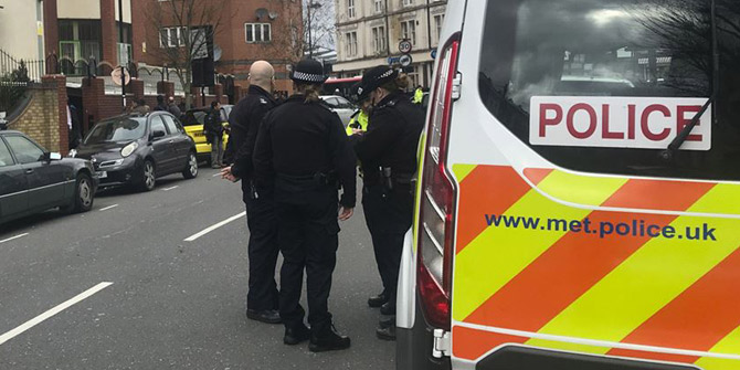 İngiltere'deki cami saldırılarında 2 gözaltı